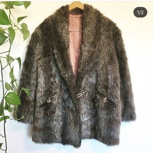 Vintage 70s 80s faux fur fuzzy coat jacket